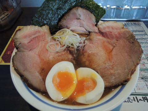 特製炙り煮干正油らぁ麺(930円)+・チャーシュー(200円)