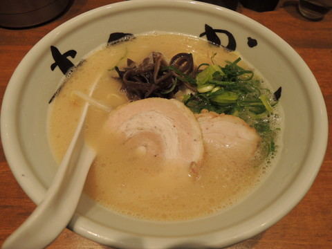 純とん(純系豚骨らーめん)(760円)
