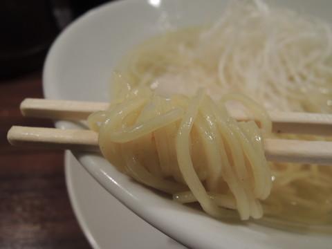 しおらーめんの麺