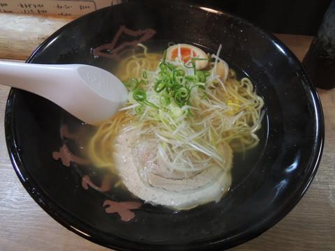塩らーめん(680円)