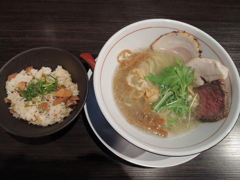 豚CHIKIちん(900円)+豚CHIKIめし(ごはん)(200円)