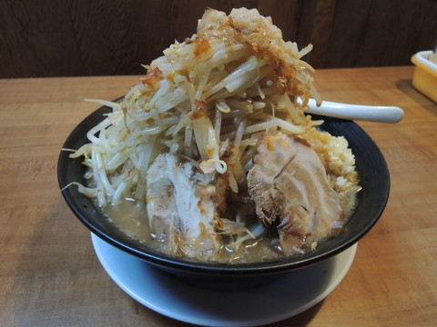 ラーメン(750円)+野菜マシ(約1kg)