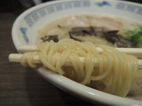 まるいちラーメンの麺