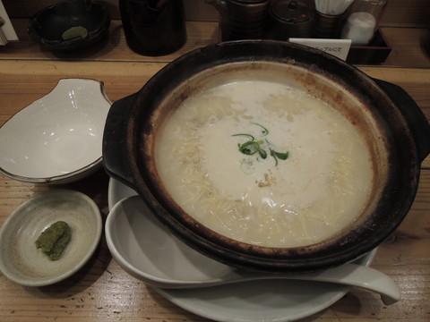 鶏煮込みそば(1004.4円)