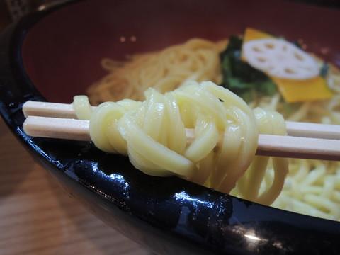 つけ鴨うどんダブル(大)の麺
