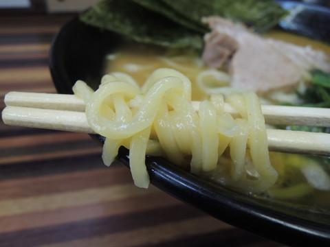 並らーめんの麺