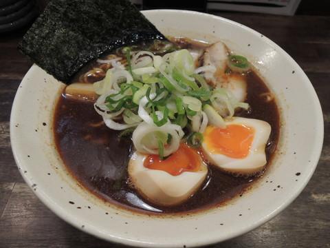 黄金煮玉子ラーメン(890円)