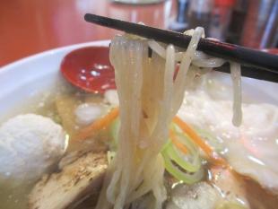 鶏ラーメンなおじ 鶏シオラーメン 麺