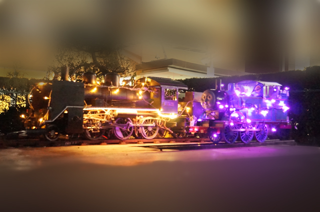 C56 129 と トーマス イルミネーショントレイン イルミ SL ミニ ライブスチーム