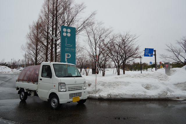 幌馬車軽トラ長岡へ