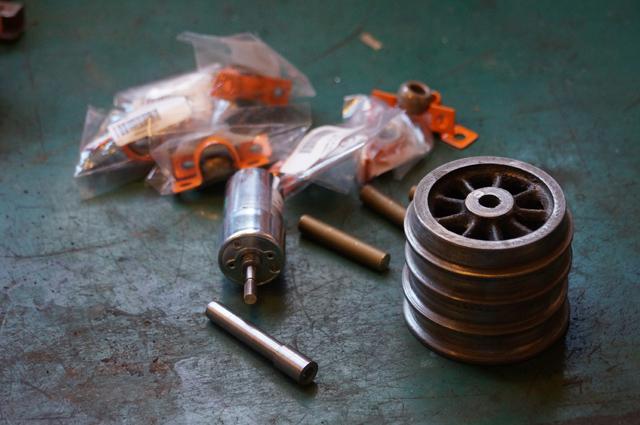 2.3平米のミニ鉄道用の車輪と動力