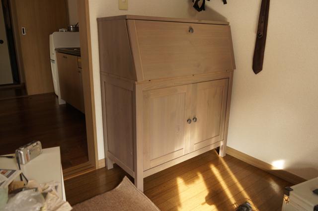 イケアの家具を組み立て終わったところ