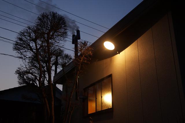 3月半ば過ぎ、夜明け前のヒモノトロータリーベース・日野十日町機関区