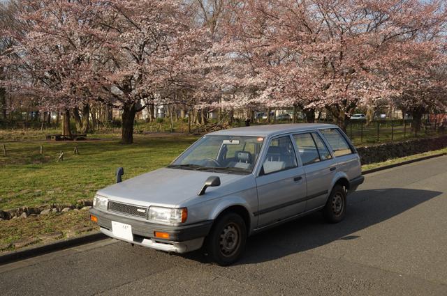 マツダファミリアバンと日野の桜'15