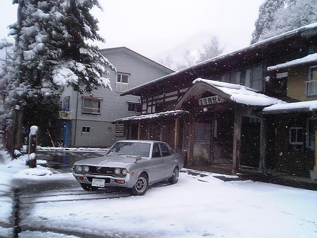 雪の三国峠にルーチェで