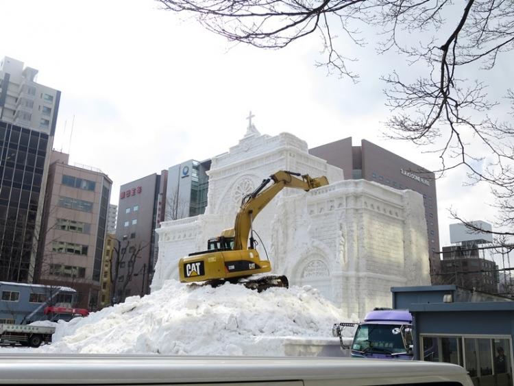 雪像撤去150212