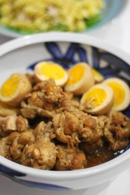 鶏手羽元とゆで卵のアドボ