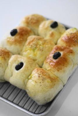 甘納豆とフライドオニオンのちぎりパン