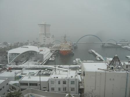 雪の名古屋港1