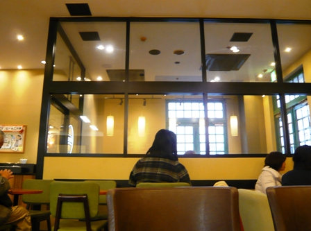 タリーズコーヒー:店内3