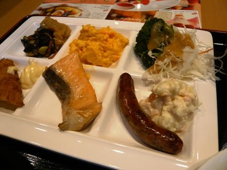 ホテルユニゾ:朝食バイキング2