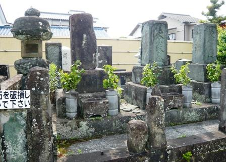 梅陰禅寺:次郎長の墓2