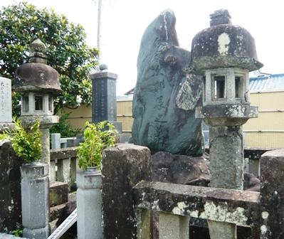 梅陰禅寺:次郎長の墓