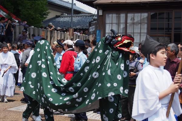江戸時代から続く三国祭 神輿や武者行列