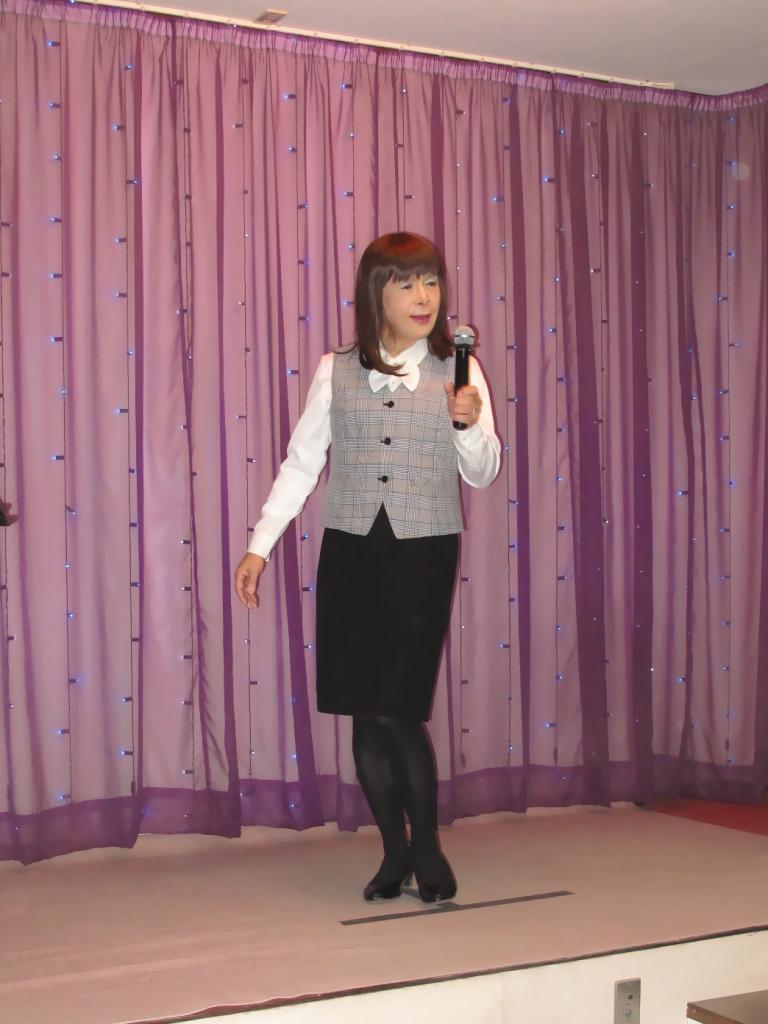 OL服でカラオケA(2)