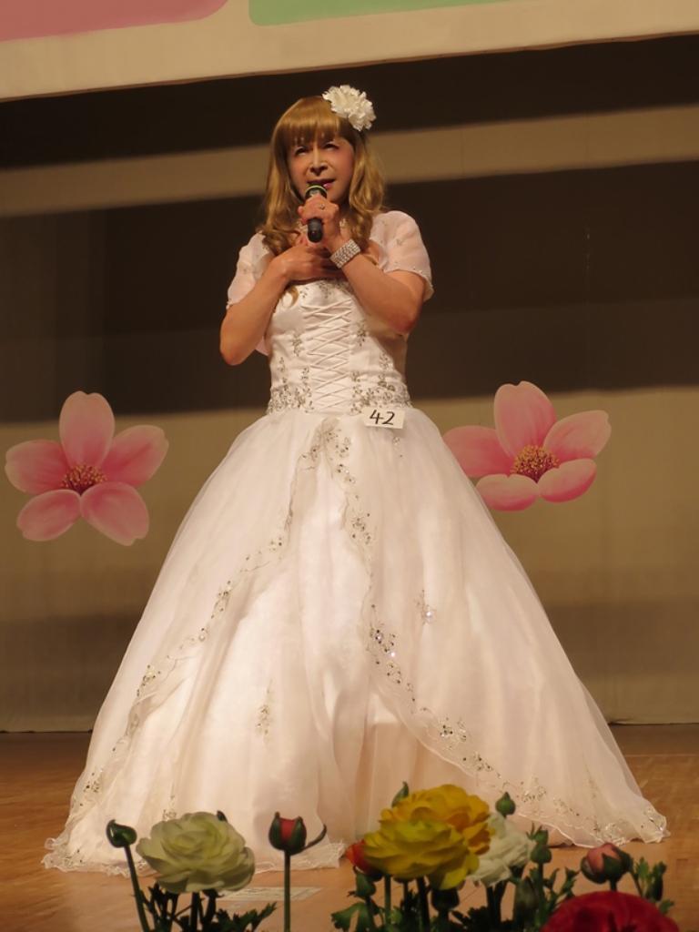 白ドレス舞台(4)