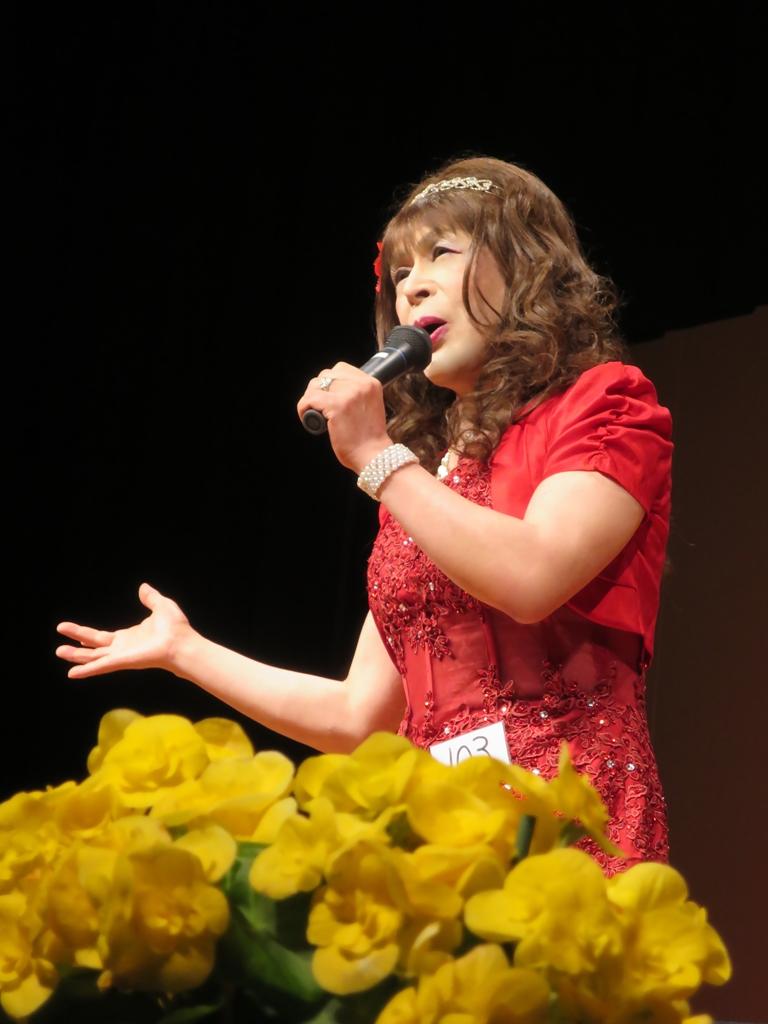 150427赤いドレス舞台(1)