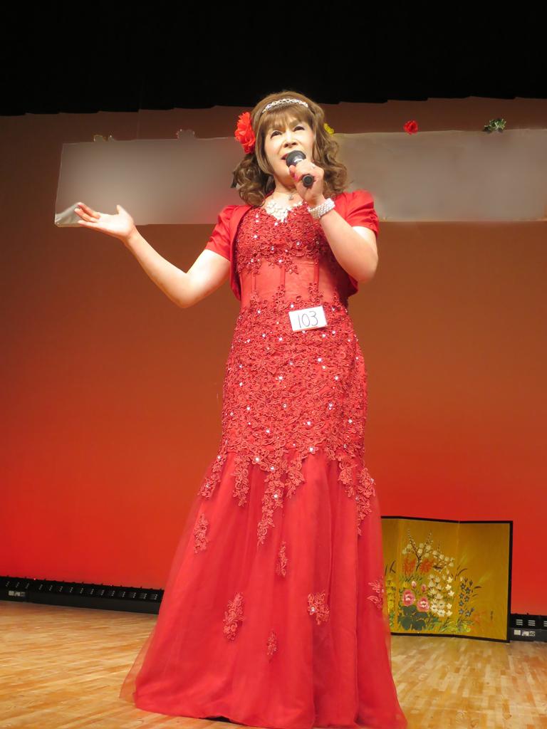 150427赤いドレス舞台(2)