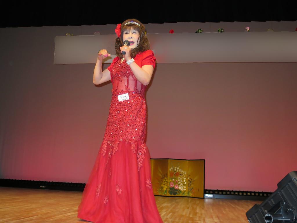 150427赤いドレス舞台(5)