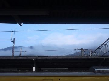 16内陸部は雲が低い