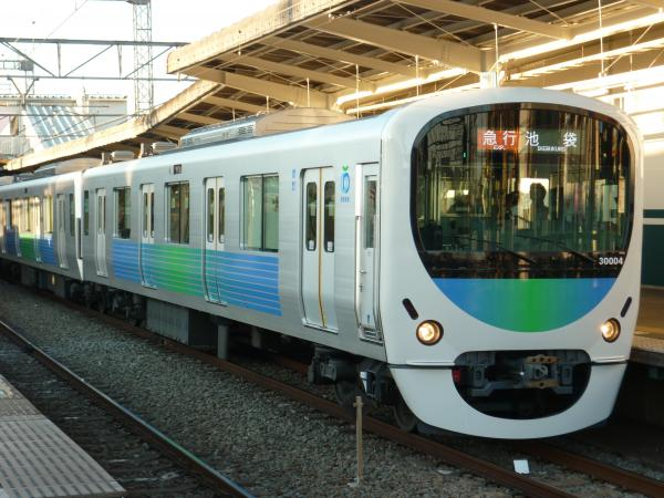 2014-12-27 西武30104F 急行池袋行き 2156レ