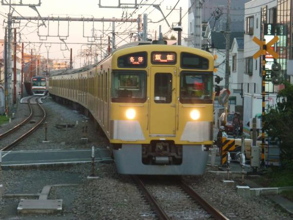 2013-11-23 西武2087F 各停飯能行き3