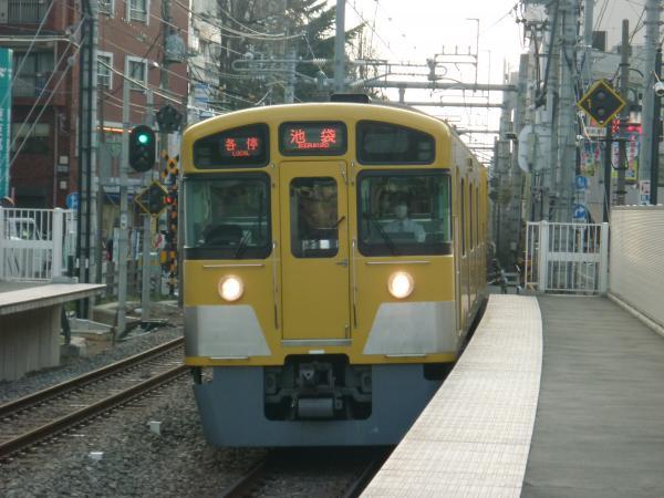2014-03-29 西武2087F 各停池袋行き1 5730レ