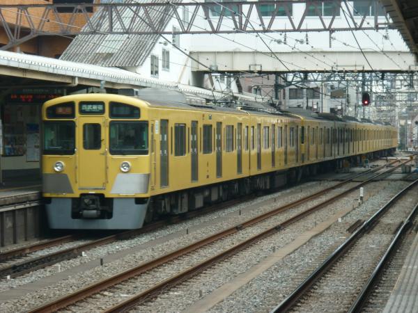 2015-03-01 西武2067F+2451F 急行西武新宿行き2 2646レ
