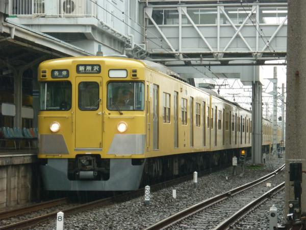 2015-03-01 西武2403F+2011F 各停新所沢行き 5809レ