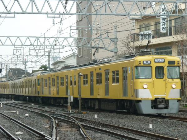 2015-03-01 西武2407F+2013F 各停西武新宿行き 5256レ