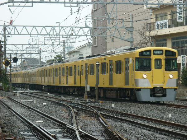 2015-03-01 西武2513F+2543F 各停西武新宿行き 5606レ