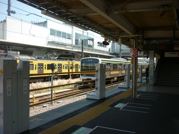 2015-03-30 拝島駅 昇降式ホーム柵1