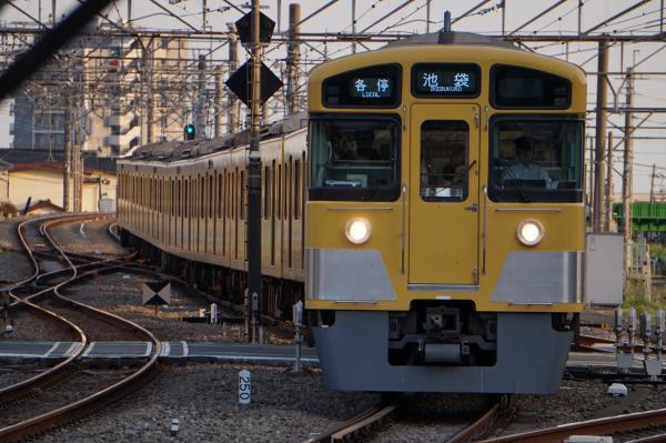 2015-05-02 西武2073F 各停池袋行き 5222レ