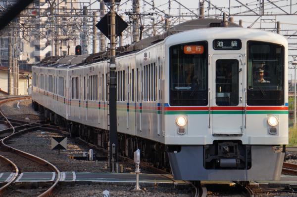 2015-05-02 西武4021F+4003F 急行池袋行き 2002レ