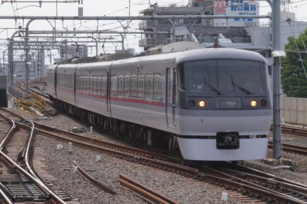 2015-05-06 西武10111F 特急池袋行き1