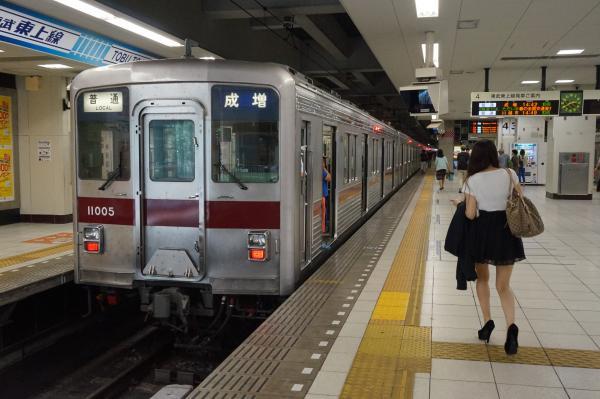 2015-05-17 東武11005F 普通成増行き