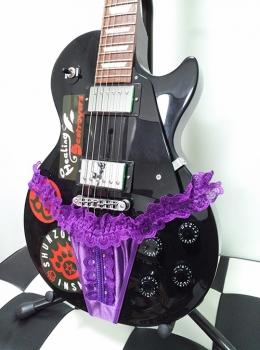 パンティーギター 斜めから