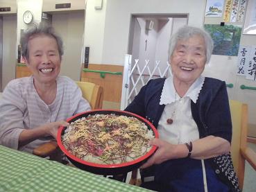 東京都 足立区 介護老人保健施設 千寿の郷 デイケア 七夕 ちらし寿司