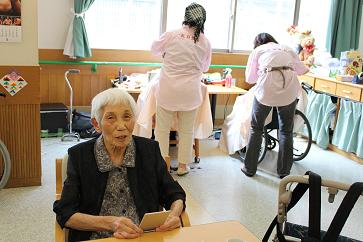 千寿の郷 老人保健施設 東京都 足立区 デイケア 理美容 床屋 散髪