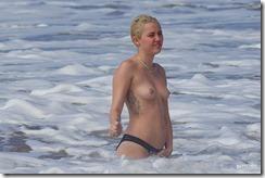 Miley-Cyrus-270302 (12)